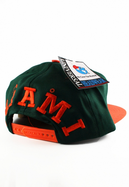 01b89f7cc46 European hat licensee Campri Team Sports also adopted the style with their  own team logo snapbacks. These hats are super clean but not as colorful as  the ...
