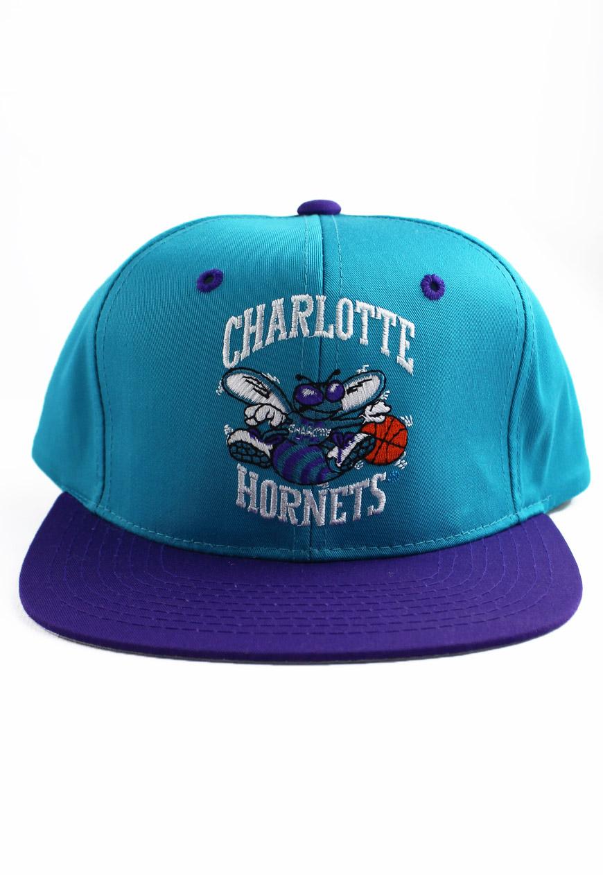 f170ff4e3f631 Shop    Vintage   Branded    Snapbacks    Vintage Charlotte Hornets ...